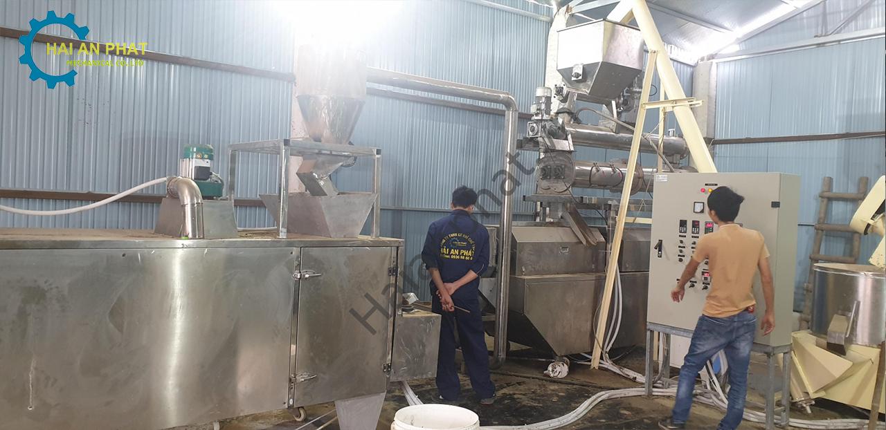 Sản xuất cám cho Tôm công nghệ cao